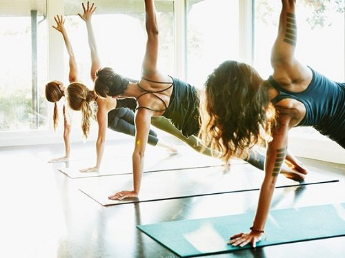 Йога и фитнес мяч