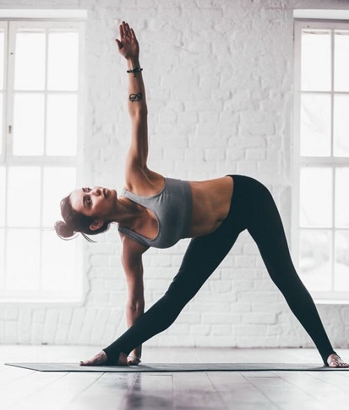 Подъемы живота в йоге